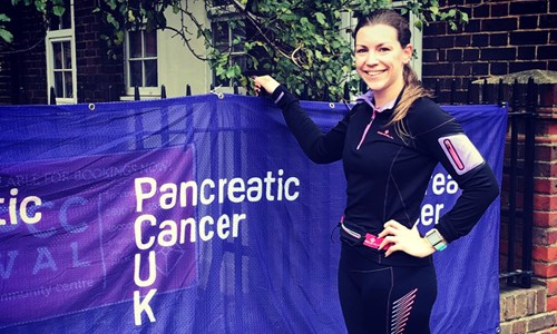 Daughter running for mum lost to cancer